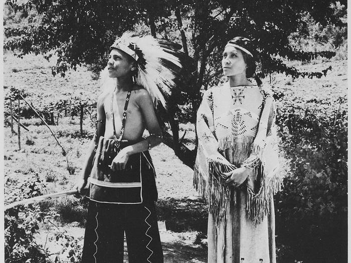 Юноши и девушки не разговаривали у многих индейцев.